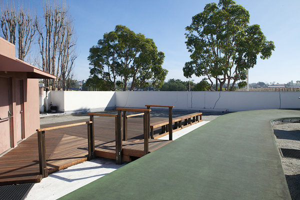newport-beach-table-tennis-warm-up-area
